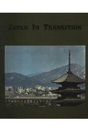 Japan in Transition - Régikönyvek