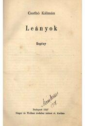Leányok - Régikönyvek