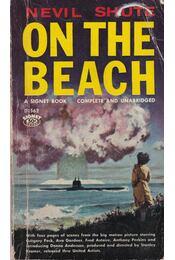 On the Beach - Shute,Nevil - Régikönyvek